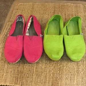 Toms 8.5 lot of two bright pink lime green guc
